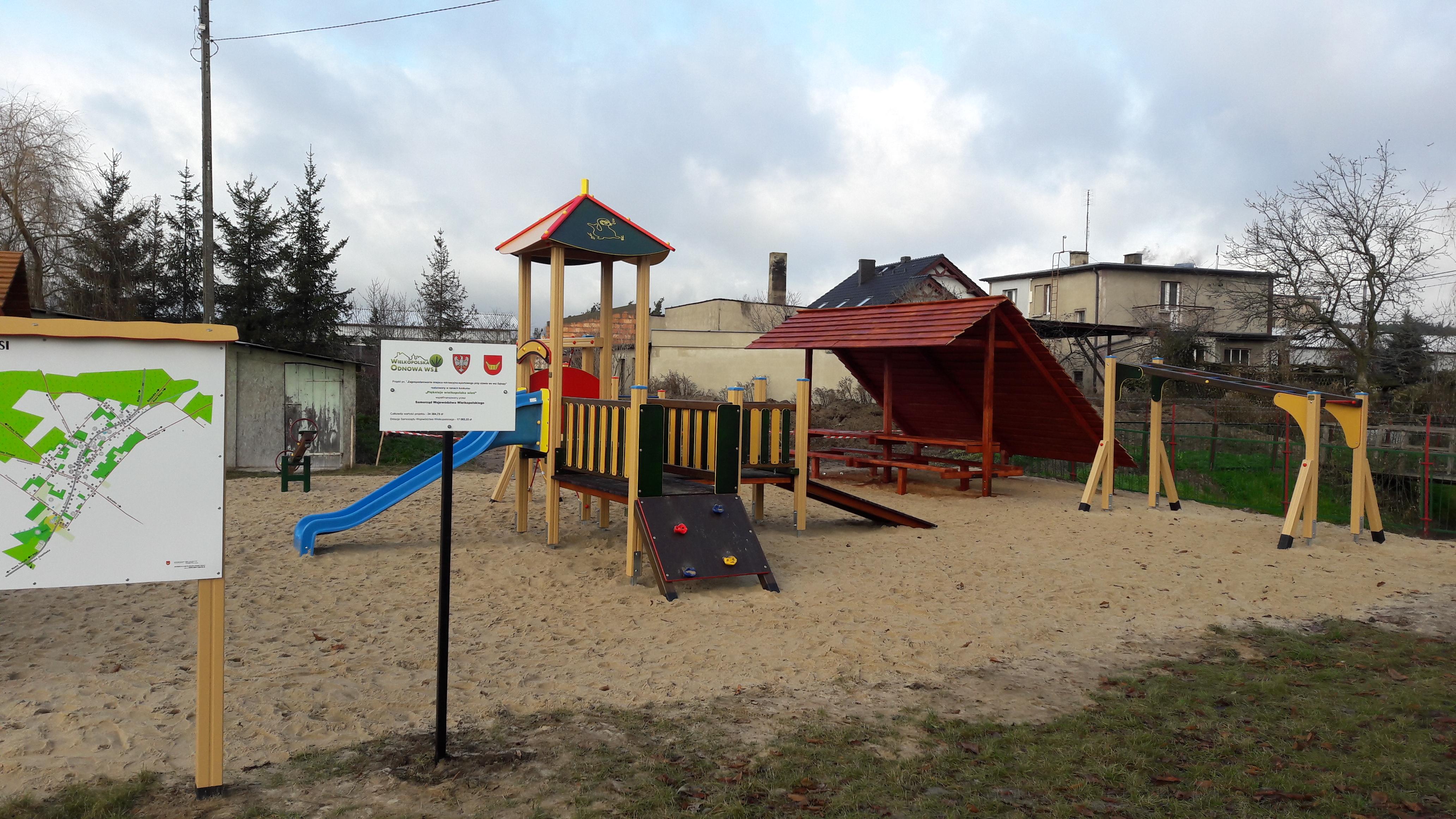 Zagospodarowanie miejsca przy stawie we wsi Sątopy