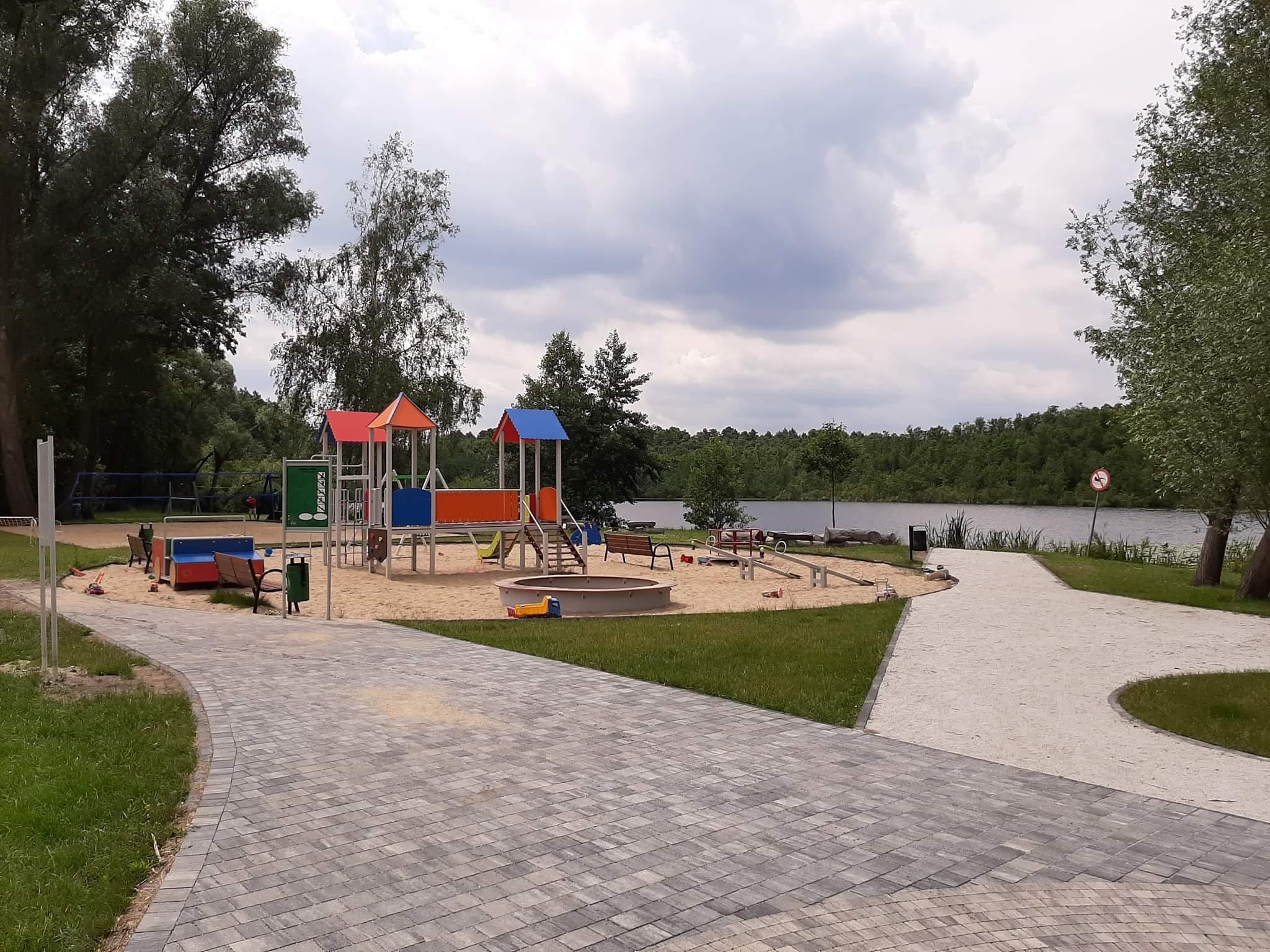Zagospodarowanie terenu rekreacyjnego w Sękowie
